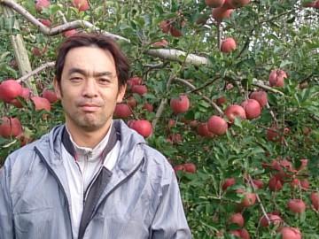 リンゴの生産者の方です。案外若いでしょ!